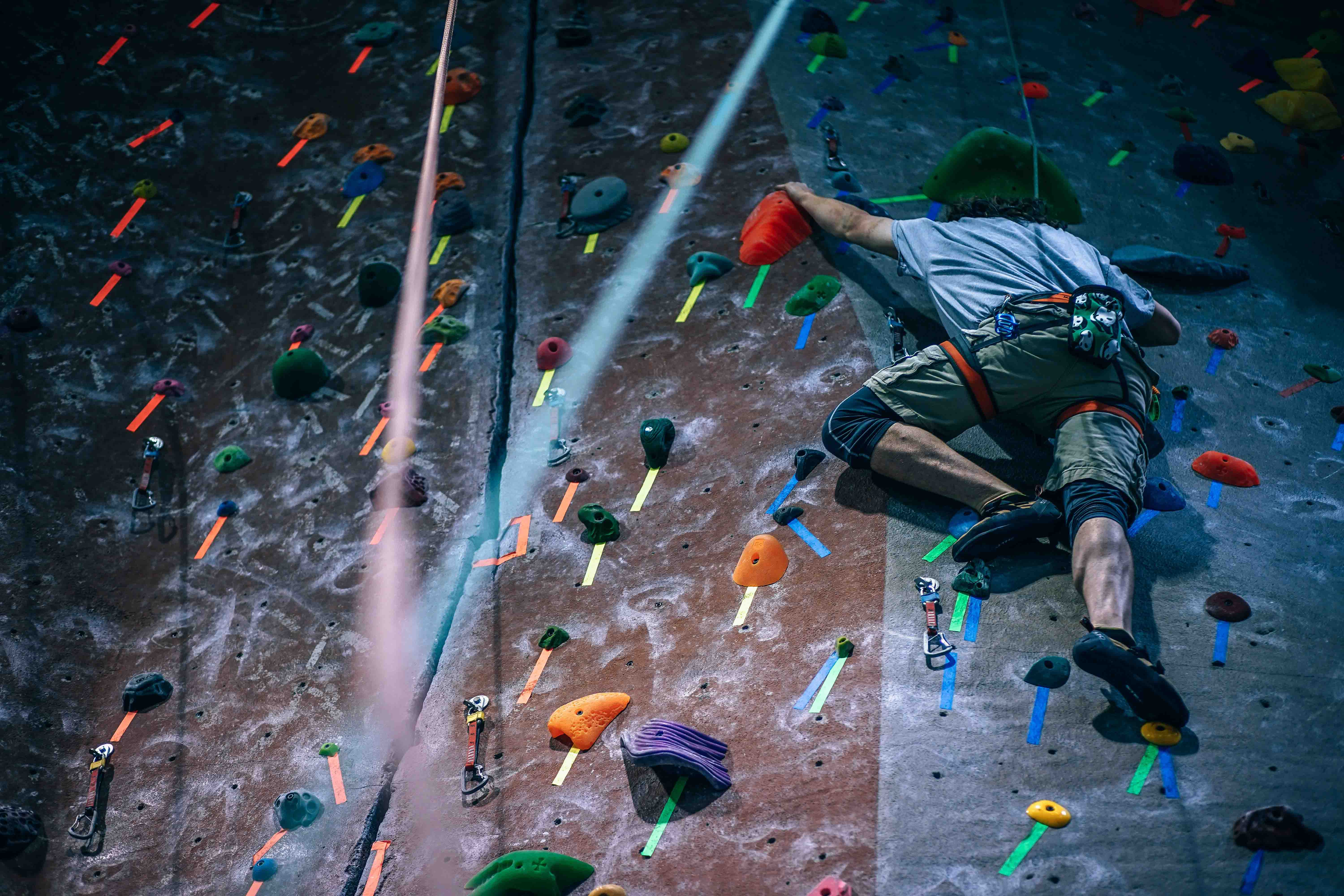 How To Grip Indoor Climbing Holds Expert Climbers